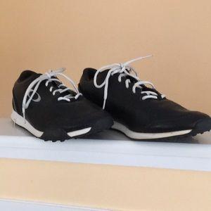 Men's Oakley sneakers.